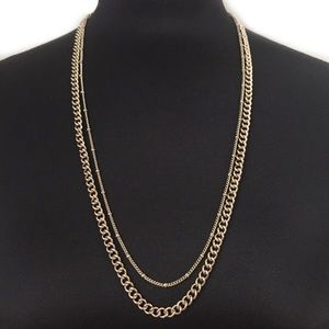 BCBG CHAIN NECKLACE LAYERED GOLD TONED LAYERED